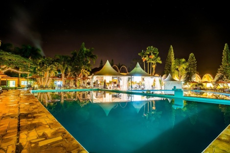 299712_659468_hotel_internacional_gravatal__piscina_a_noitebx